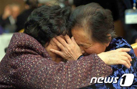 [사진]이산가족 '눈물의 작별'