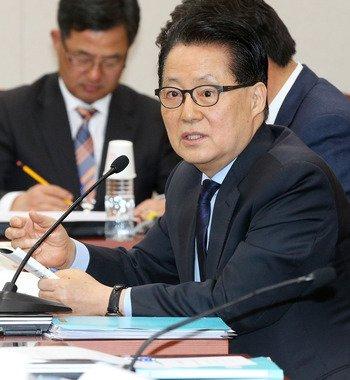박지원 전 민주당 원내대표. 2014.2.17/뉴스1 © News1   오대일 기자