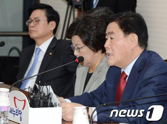 """[사진]최경환 """"경제도약 기회다"""""""