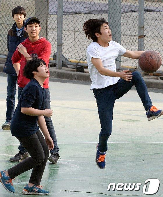[사진]'농구하기 좋은 날씨'