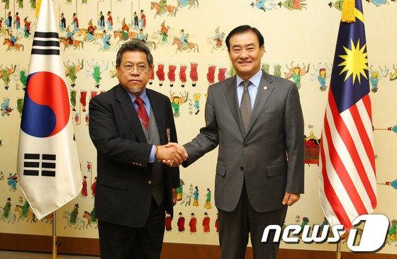 [사진]강창희 국회의장, 아민 말레이시아 하원의장 만나