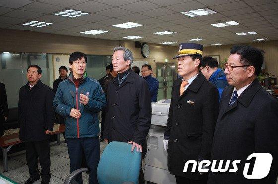 [사진]정몽준 의원, 군자차량기지 방문