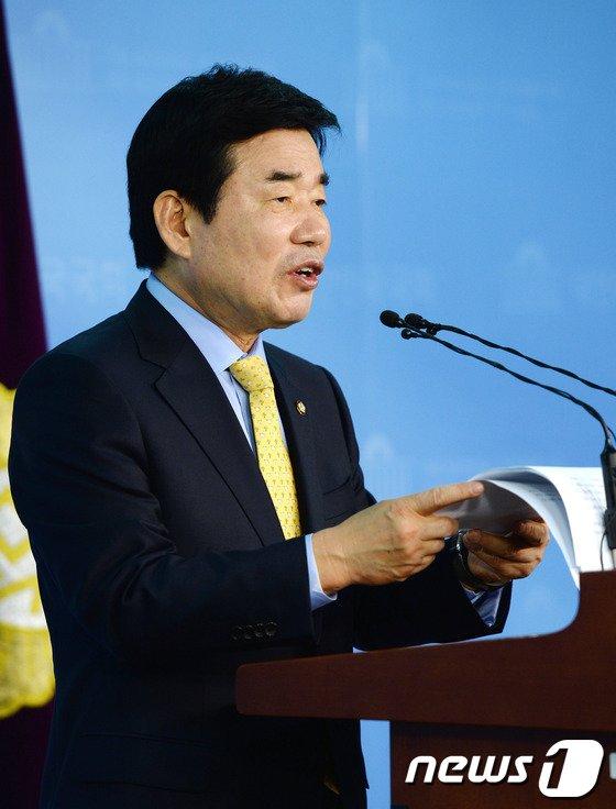 [사진]김진표 '여성정책 공약 발표'