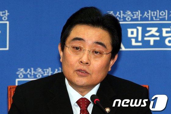 전병헌 민주당 원내대표. 2014.3.11/뉴스1 © News1 이광호 기자