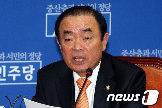 장병완 민주당 정책위의장 2014.3.6/뉴스1 © News1   이광호 기자