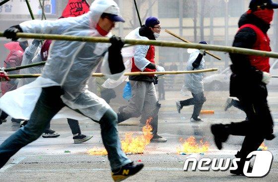 [사진]극렬 시위 예감?