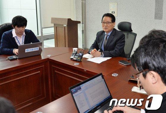 """[사진]박지원 """"중앙정치 계속 결론"""""""
