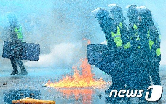 [사진]'물불 안가리는 상황'