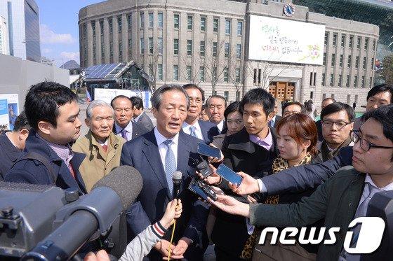 """[사진]정몽준 의원 """"다시는 이땅에 비극이 없기를... """""""