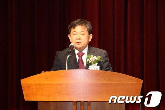 김필건 대한한의사협회장이 지난 23일 한의협회관에서 열린 정기대의원총회에서 인사말을 하고 있다. (대한한의사협회 제공)© News1