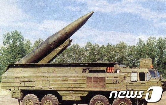 북한이 단거리 미사일로 사용하고 있는 KN-02 단거리 미사일의 원형인 구 소련제 SS-21 스캐럽 미사일. 2014.2.27/뉴스1 © News1 박지혜 기자