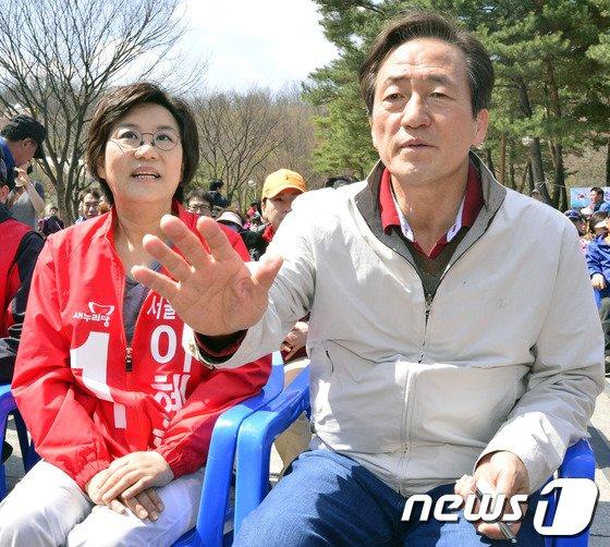 정몽준 새누리당 의원(오른쪽).2014.3.30/뉴스1 © News1   최영호 기자