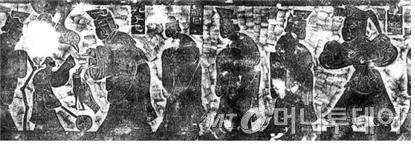 공자와 그 제자들을 묘사한 벽돌그림