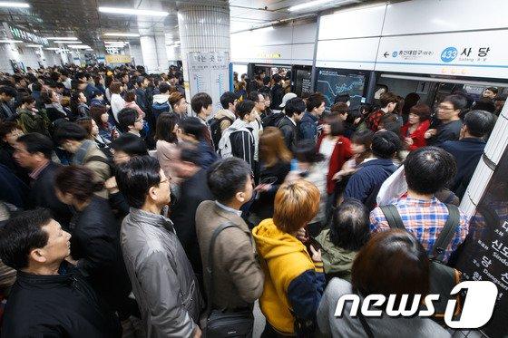[사진]4호선 열차 드디어 왔다