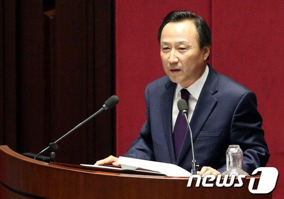 [사진]홍일표 의원, 대정부 질문