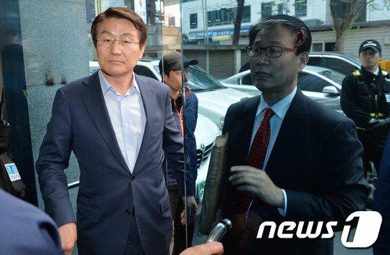 [사진]권오을-박승호, 공천관리위 회의 열리는 중앙당사 방문