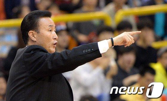 [사진]LG 김진 감독 '속공하라구!'