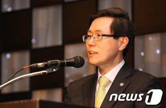 [사진]'한국사물인터넷협회 10주년 기념식' 찾은 윤종록 차관