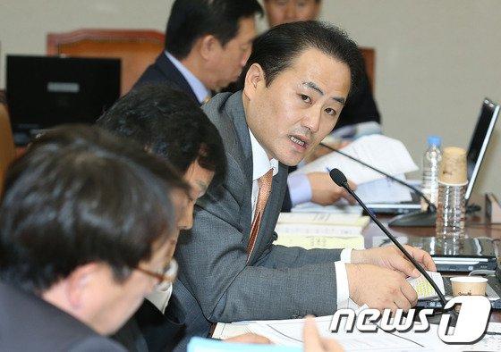 서용교 새누리당 의원. 2012.10.18/뉴스1 © News1 이종덕 기자