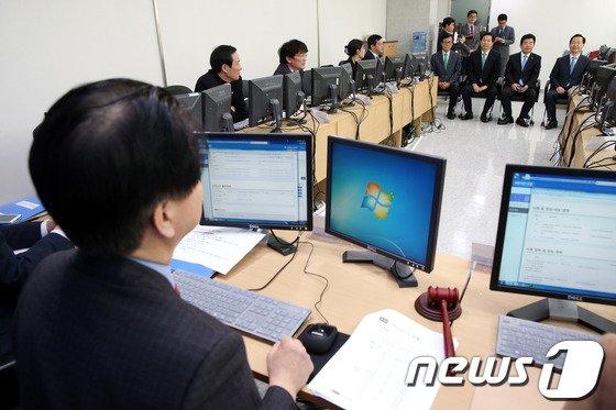 [사진]새정치민주연합 공천관리위, 공직후보신청자 면접 실시