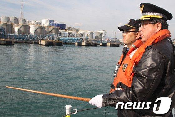 [사진]기름유출 현장 찾은 김종욱 울산해양경찰서장