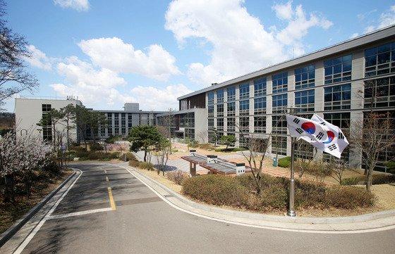 [사진]국정원, 중앙합동신문센터 첫 공개