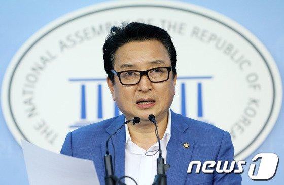 김영환 새정치민주연합 의원.  2013.8.13/뉴스1 © News1 오대일 기자