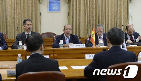 [사진]외교부 찾은 베니또 스페인 외교차관