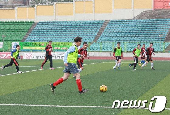 [사진]정몽준 '주말 아침엔 조기축구를'