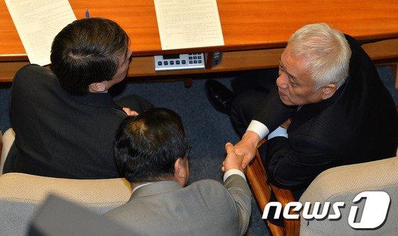 [사진]대화하는 김한길·안철수·김정훈