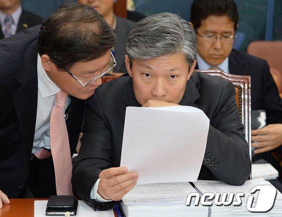 [사진]국토위 전체회의 출석한 이병국 새만금개발청장