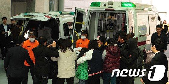 [사진]세월호 주검 앞에서 오열하는 유가족