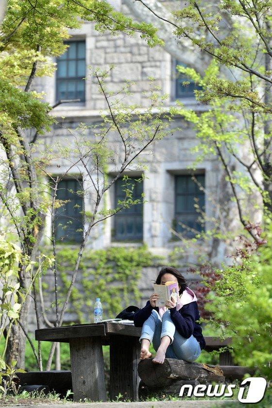[사진]봄날의 독서