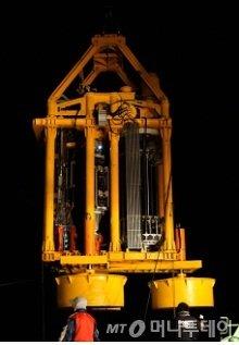 두배시스템이 국내 최초로 개발한 '해저지반 드릴링 진단로봇'/사진제공=두배시스템