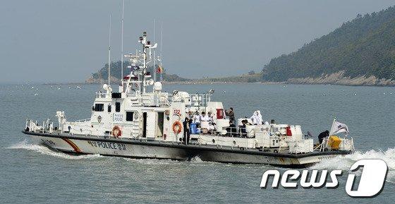 [사진][세월호 참사] 사고해역으로 향하는 실종자 가족들