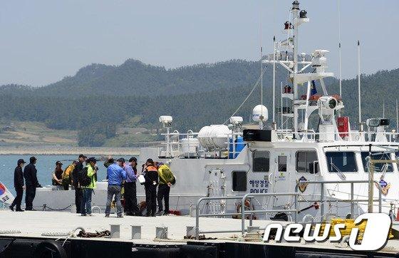 [사진][세월호 참사] 추가 투입되는 민간잠수사들