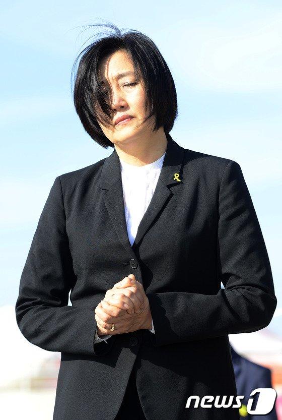 [사진][세월호 참사] 팽목항 찾은 박영선 원내대표