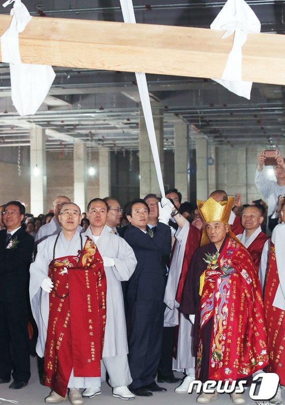 [사진]남경필, 천태종 전통명상수련센터 샹량식 참석