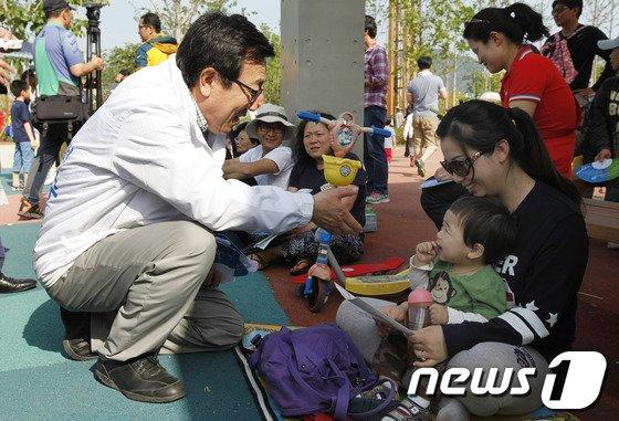 [사진]부산시민공원 찾은 서병수
