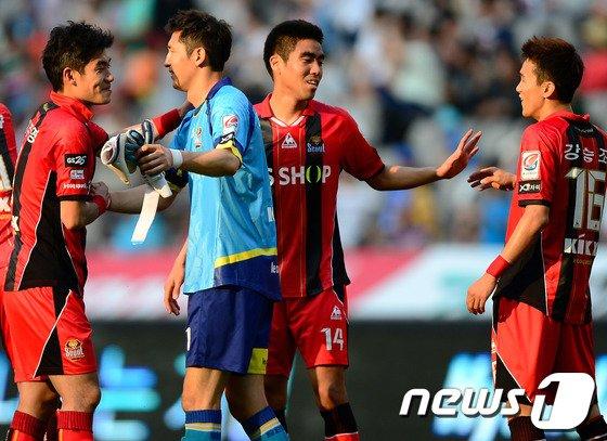 [사진]1:0 승리 거둔 서울