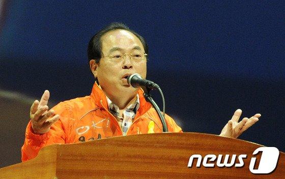 [사진]복지부산요구대회, 발언하는 오거돈