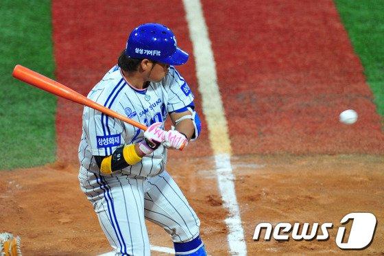 [사진]박석민 '칠까 말까'