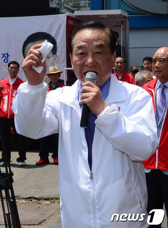 [사진]세종시 지원유세 하는 서청원 공동선대위원장
