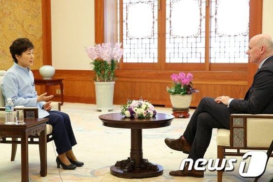 [사진]朴대통령, 월스트리트저널과 인터뷰
