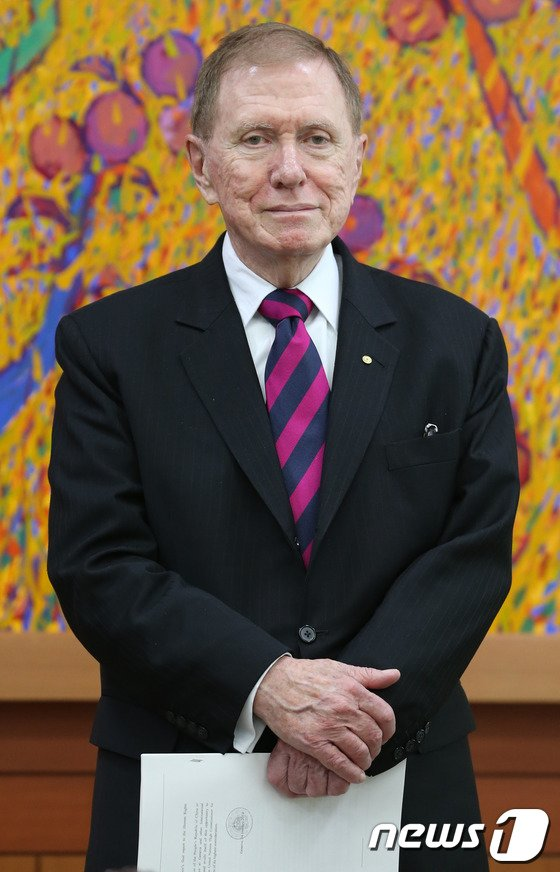 [사진]외교부 찾은 마이클 커비 COI 위원장