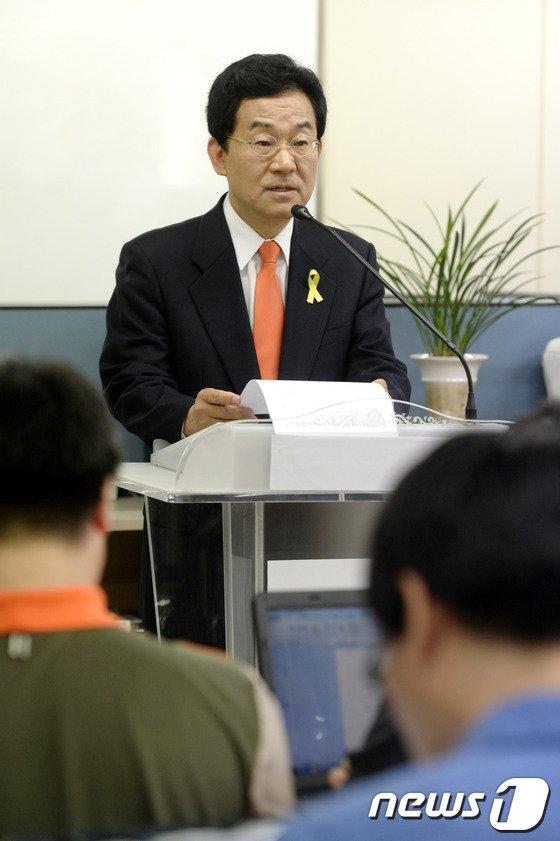 [사진]고승덕, 관권 선거 의혹 제기