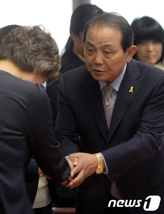 [사진]세월호 참사 유가족 만난 전용재 감독회장