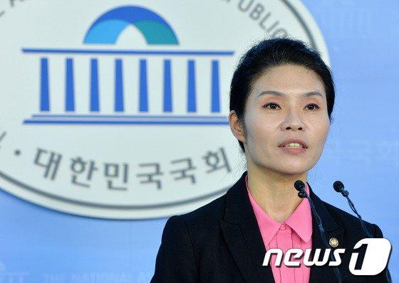 한정애 새정치민주연합 대변인. 2014.3.25/뉴스1 © News1   박세연 기자