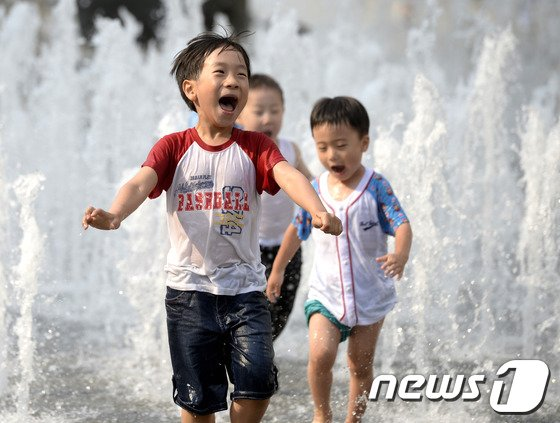 [사진]'더위가 즐거워'