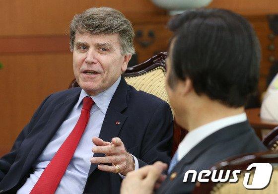 [사진]외교부 찾은 몽브리알 프랑스 국제관계연구소장